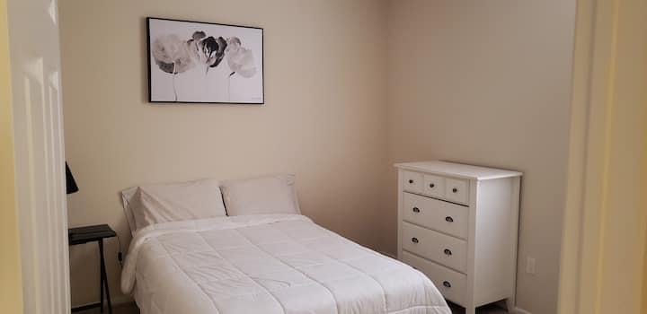 Private Bedroom & Bath in Luxury  Apartment