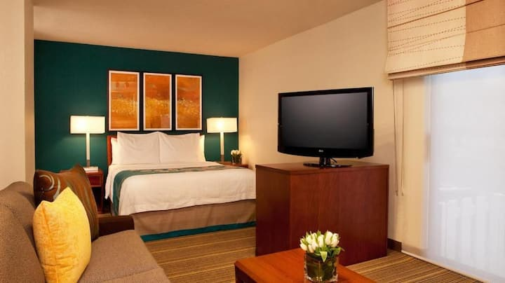 Come Relax with us at the Hawthorn Suites