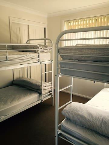 4th bedroom: 2 x double bunks
