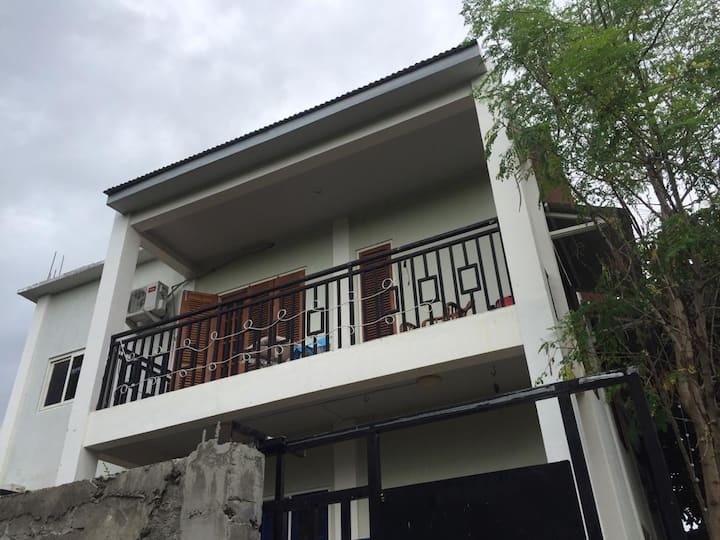 Tropical Home in the heart of Dili (Laloran Home)
