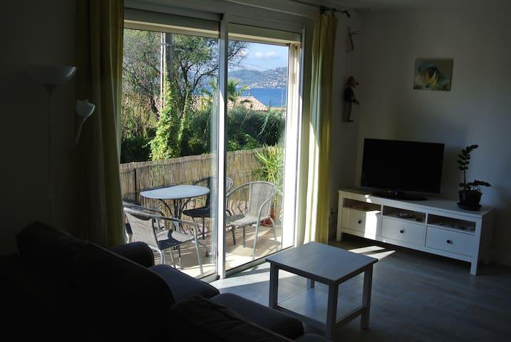Giens vue mer à 150m le haut de villa