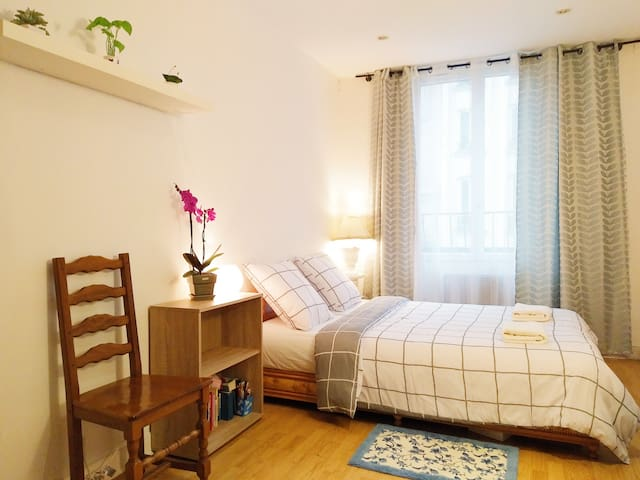 Comfortable and warm flat in the romantic Paris