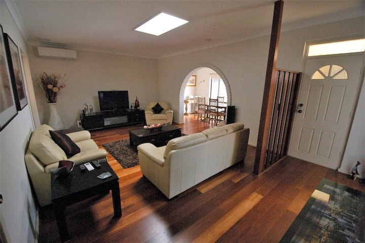Guest Suite - Family home near Scarborough Beach