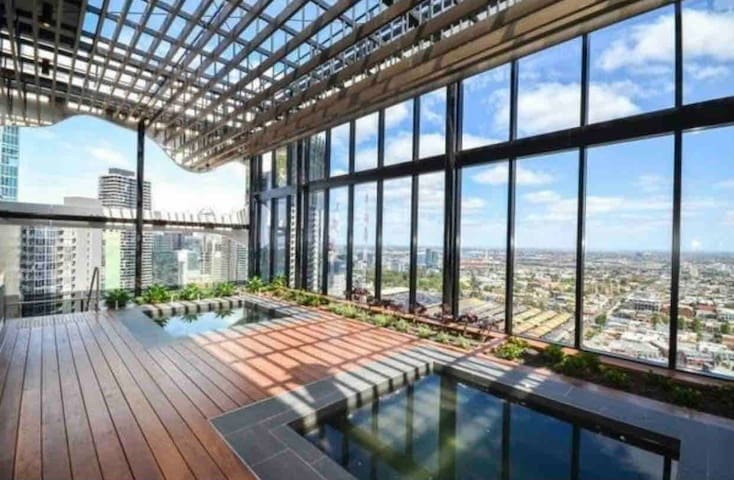 551, two beautifulhome, near MelbCentral Station