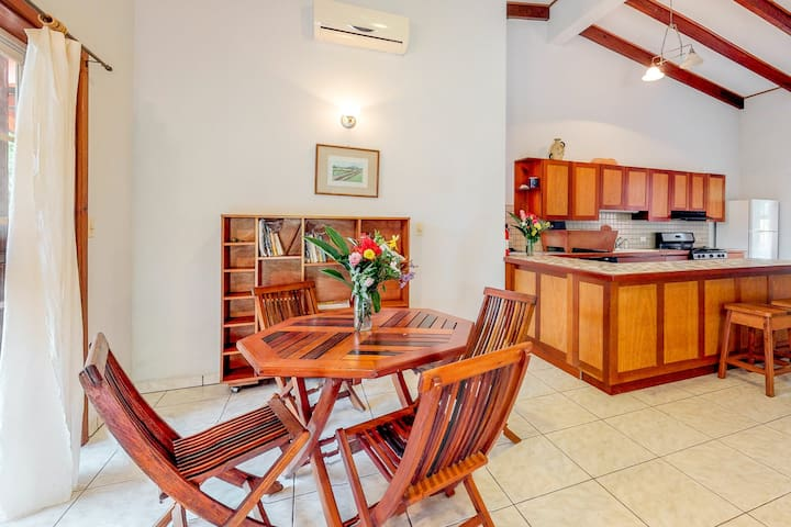 Spacious apartment outside of town w/ veranda, picnic table & garden!