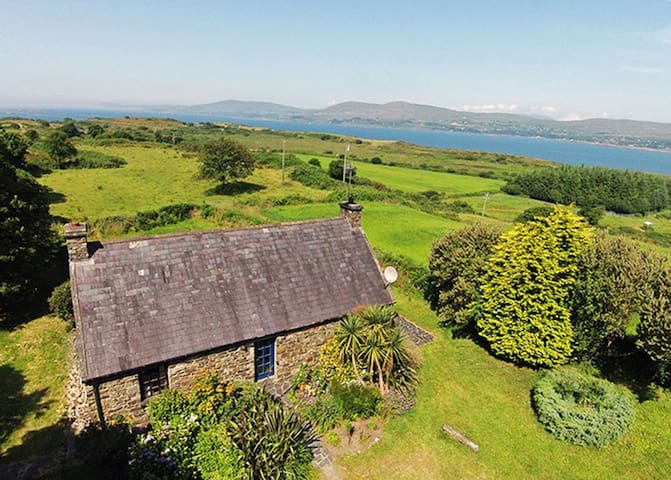 Carbery 3, Durrus, Co.Cork - 3 Bed - Sleeps 6 - Durrus