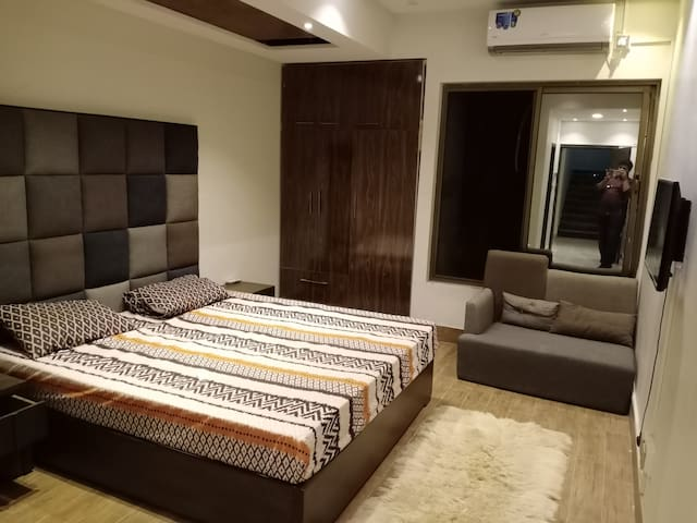 Guest Rooms For Friends, Families in Islamabad, PK