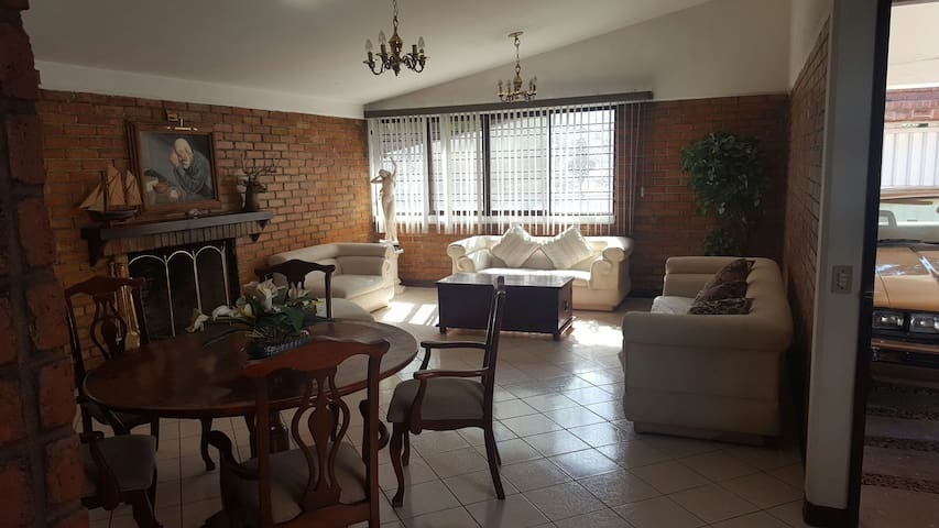 Casa Campestre en Aguascalientes - Aguascalientes - House