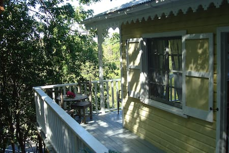 Treehouse at Galley bay Cottages - Five Islands Village - Srub
