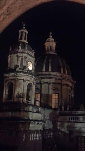 Le cupole del duomo di Catania