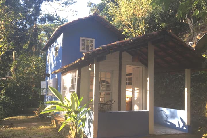 Casa Caiçara ! Roots 100mts da praia Camburizinho!