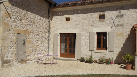 Le Coin a one bedroom newly refurbished property.