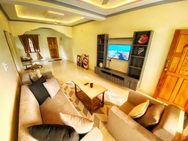 Spacious & Modern Apartment with Views in Agonda