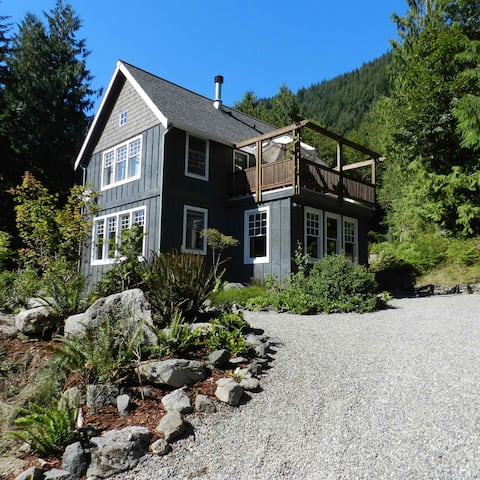 Secluded Olympic Nat'l Park Retreat