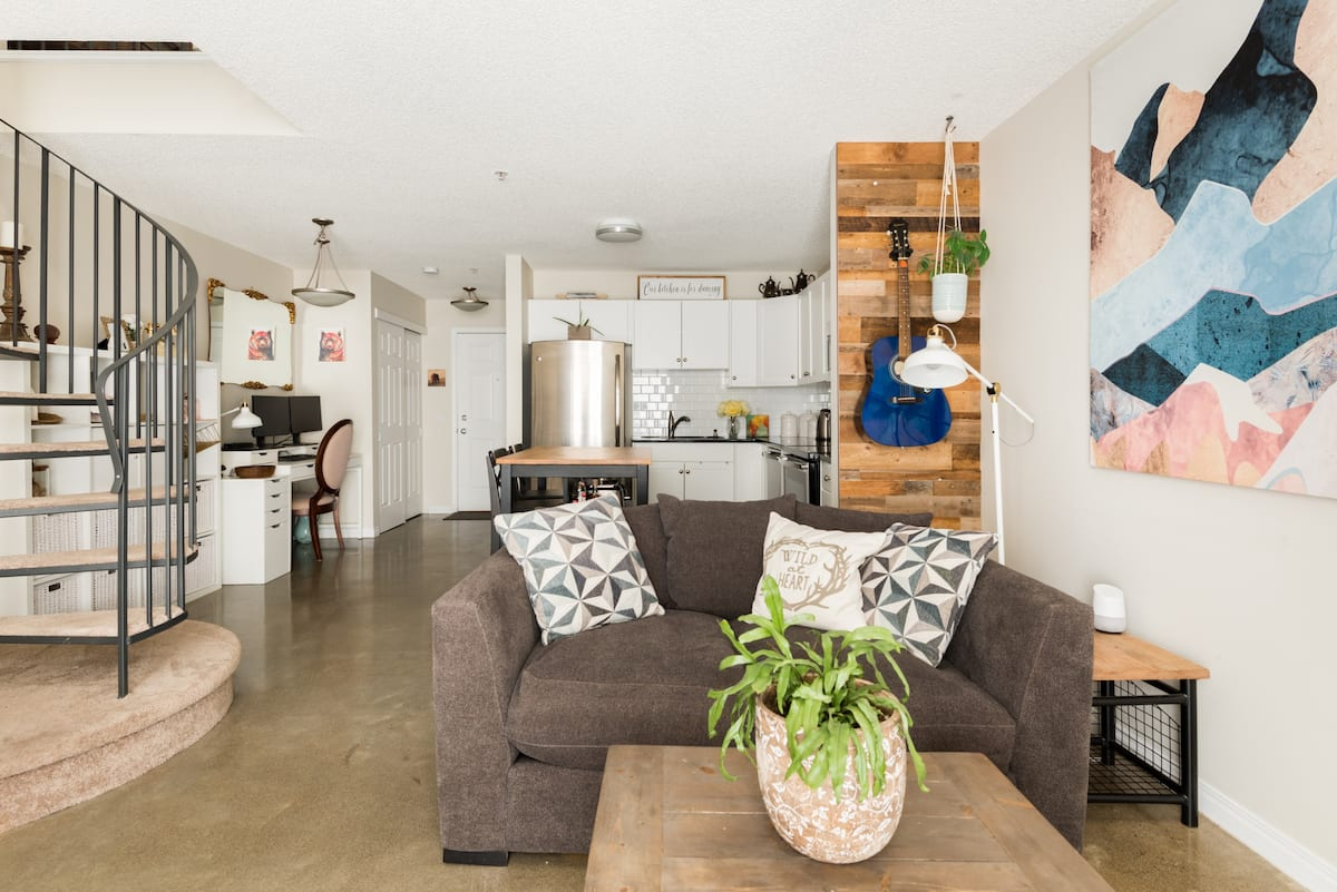 Unwind in Style Where Trendy City Loft Meets the Mountains