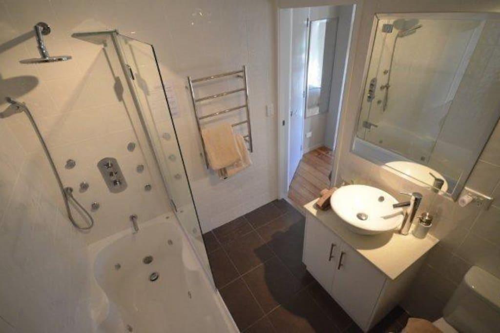 En-suite Massage Spa Showers and Spa Baths