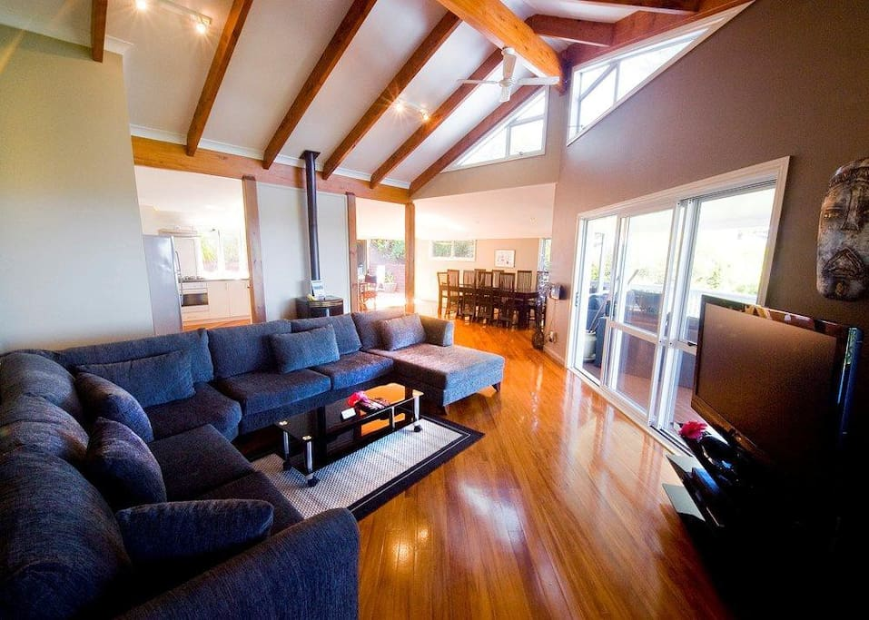 Vaulted Ceilings, Timber Flooring, Halogen Lighting, Foxtel TV