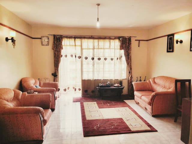 Private cozy place , westlands, best for busin Trv