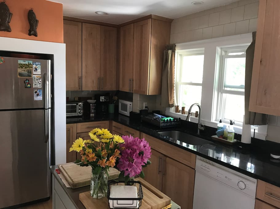 Sunny 2 Bedroom Near Boston Apartments For Rent In