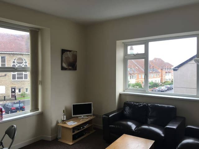 SA1 Double bed close to uplands and city center! - Swansea - Apartament