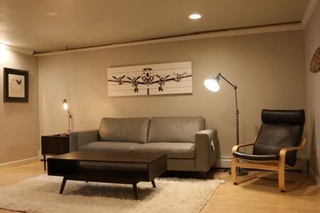 Cozy Apartment Close to Kincaid Park & Airport