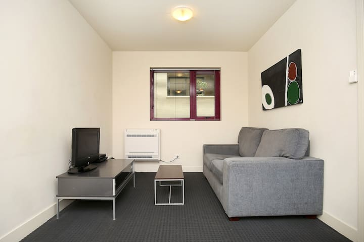 Carlton - Executive Apartment