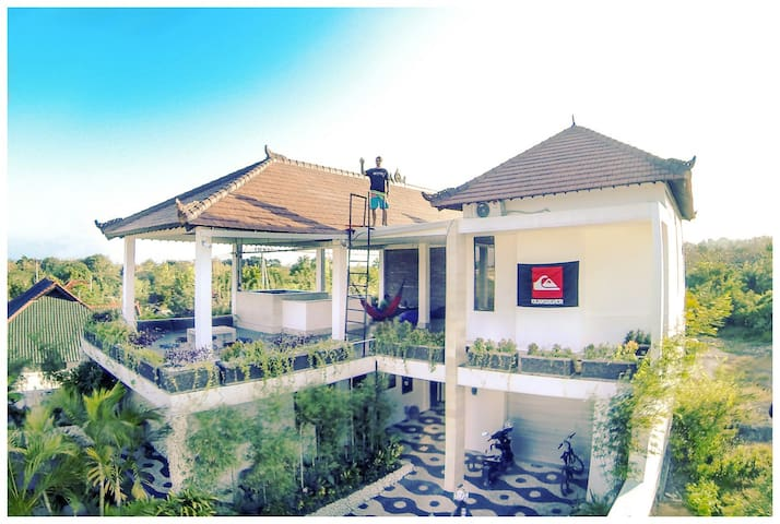 Double room,shared bathroom AC no.2 - South Kuta - Villa