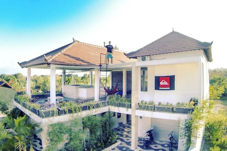 Double room,shared bathroom AC no.2 - South Kuta - Casa de camp