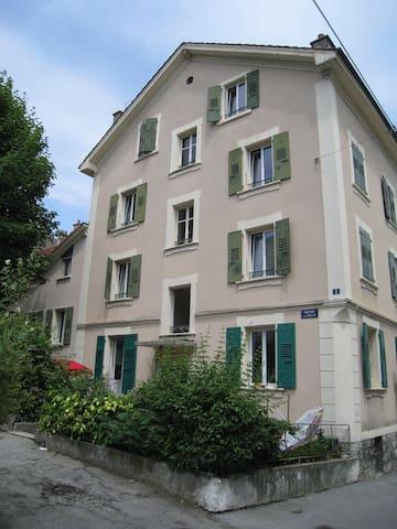 Appartement calme centré 4,5 pièces - Lausanne - Appartement