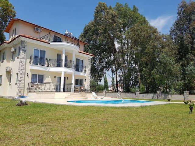 Bahçeden Villa