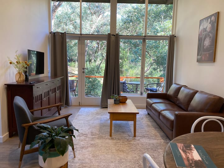 Your Cottage Hideaway in the Heart of Warrandyte