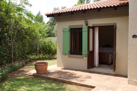 Country Style Home - Olifantsfontein