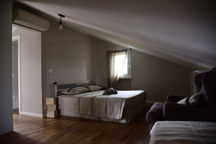 camera da letto - bedroom - chambre à coucher