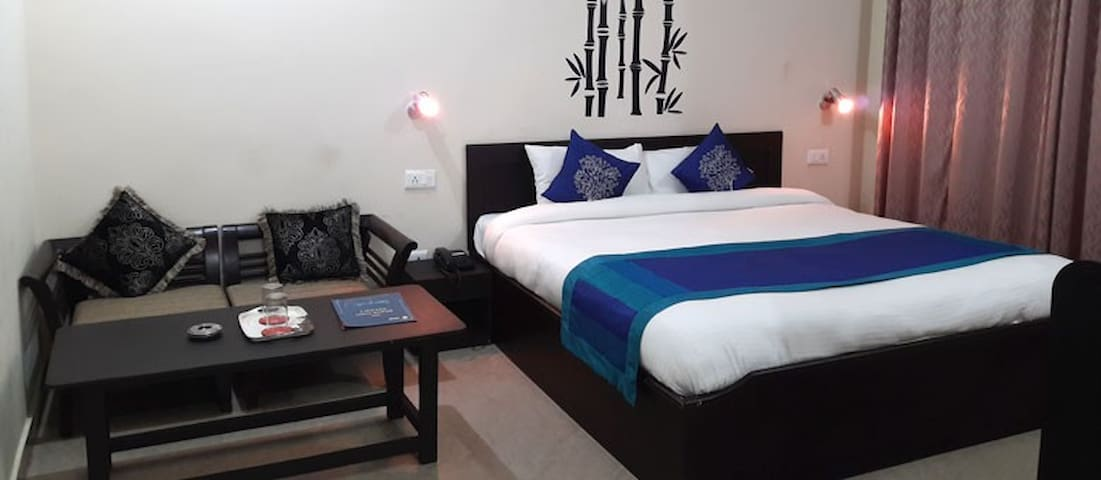 B&B with a Comfortable Stay at Bhowali