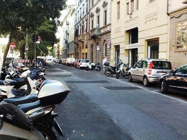 Estudio 4 pax en cientro Florencia