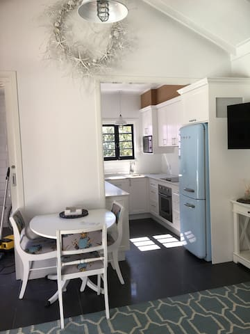 Hamptons Studio close to ferry - Hawthorne - Apartmen