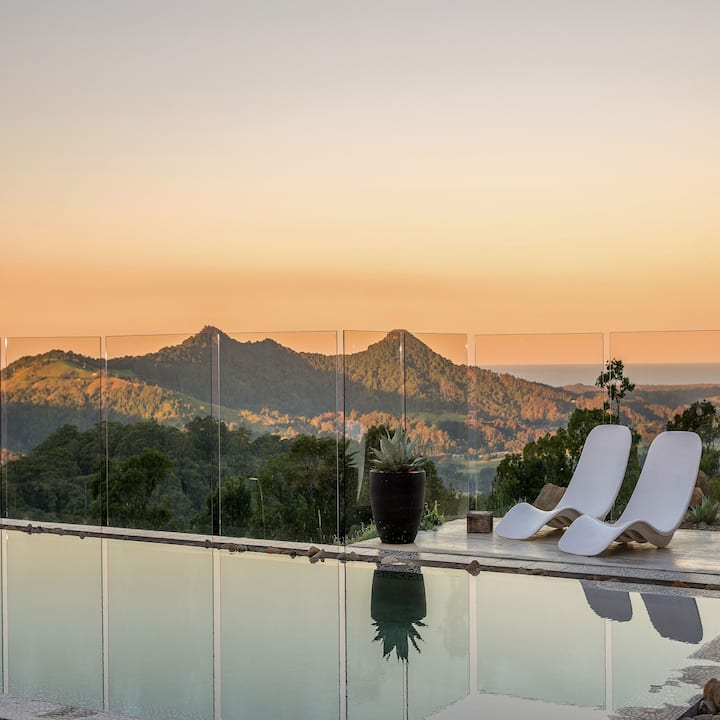 LUXICO's Pacific Byron Hinterland - sweeping ocean & mountain views