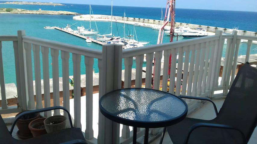 3 Bedroom Flat in Centre Kyrenia with Pool & Beach