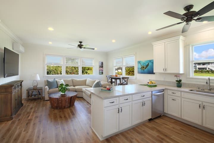 Hale Lo'i Cottage - Luxury + comfort + convenience - situated in sunny Poipu!