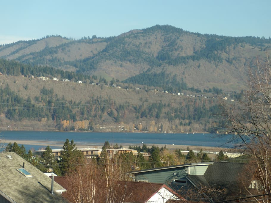 View from Townhouse of Columbia River windsurf and kite board launches