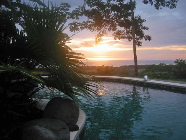 Ocean view in Jungle setting - โดมินิกัล - บ้าน