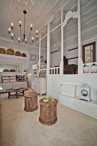 The Orange Patio, stunning art home - Karpathos - House
