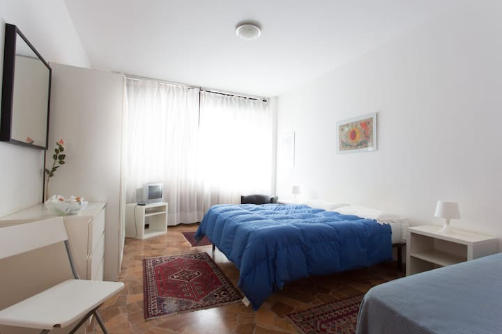 Mestrina rooms for 2/3 people - Veneza - Casa