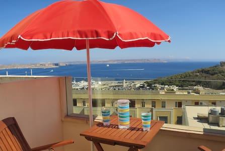 Ocean View Penthouse + Pool - Għajnsielem - Wohnung