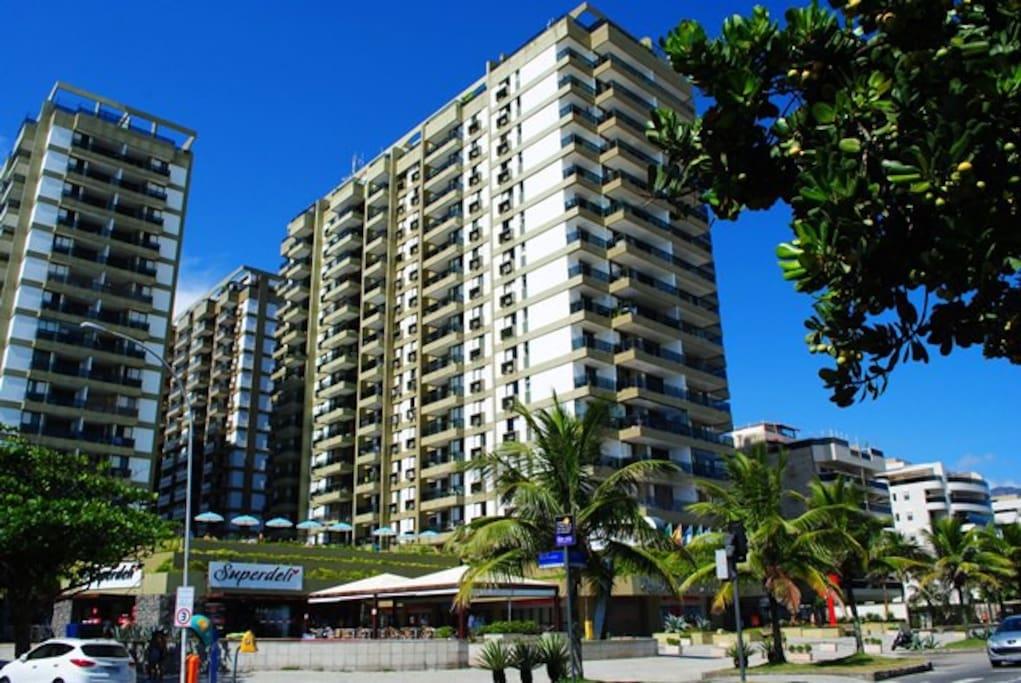 Hotel Residência, em frente à praia / Apart-hotel, in front of the beach