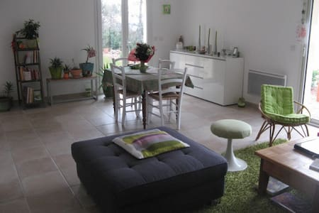 Loue chambre d'amis - Bed & Breakfast