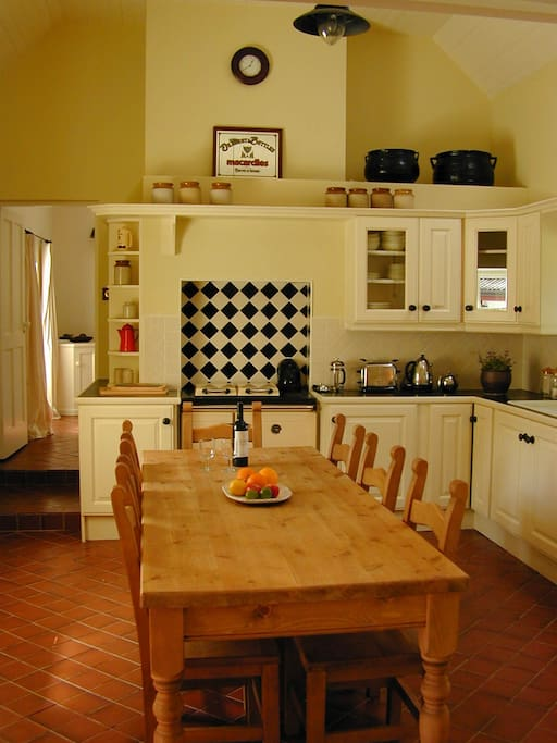 The magnificent kitchen - great for a meal with friends or just sitting around talking (as we do!)