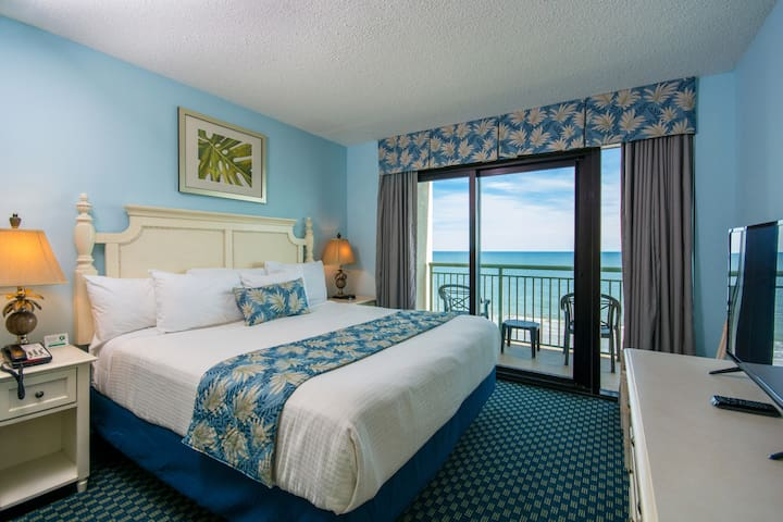 Oceanfront 2 Bedroom Condo