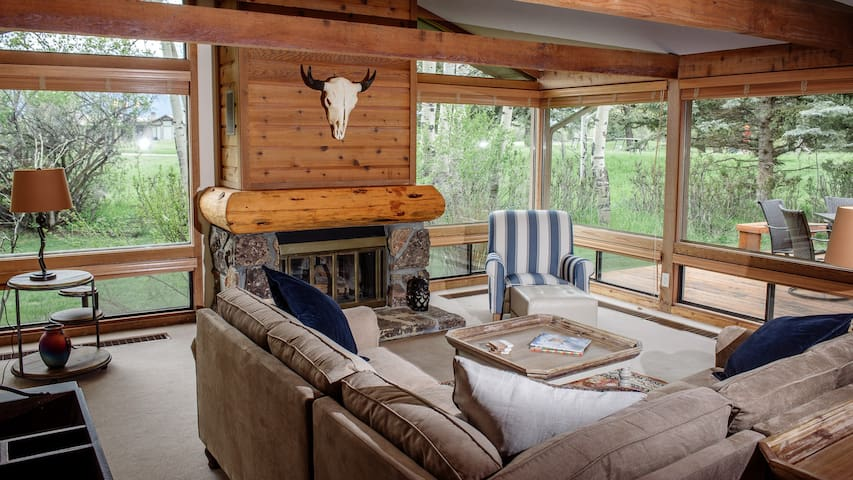 Gorgeous, Jackson Hole Retreat * Free WIFI*