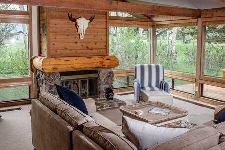 Gorgeous, Jackson Hole Retreat * Free WIFI*